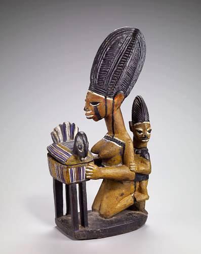 Illustration pour le verset 38.4 Figure féminine avec enfant et bol, art yoruba, milieu du 20ème siècle