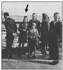 Nelly Rattner avec sa soeur et sa mère, à bord du Rex, en route vers la terre promise.
